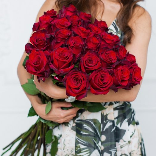 25 Красных Эквадорских Роз 80см: букеты цветов на заказ Flowwow