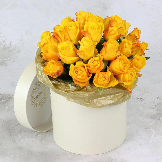 25 желтых роз в шляпной коробке: букеты цветов на заказ Flowwow