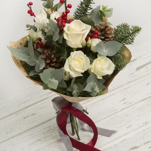 Зимний букет с илексом: букеты цветов на заказ Flowwow