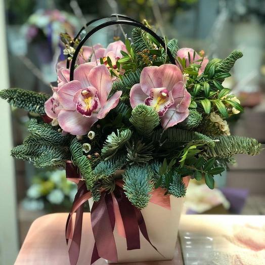 Зимняя композиция с орхидеями: букеты цветов на заказ Flowwow