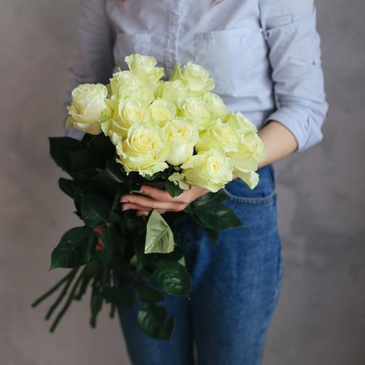 11 шикарных белых роз