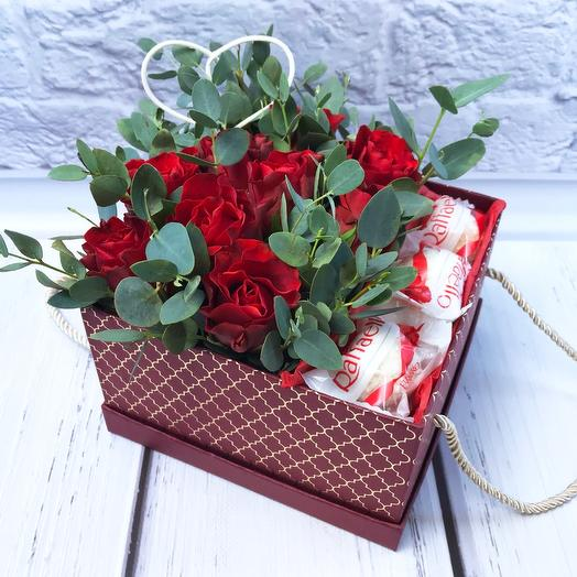 Коробочка с розами и Рафаэлло🌹