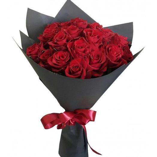 Красная роза 21 шт. в Черном Крафте