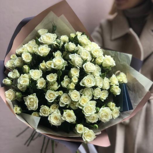 Букет с кустовыми розами
