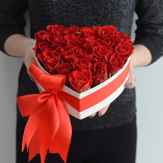 Lady Flowers - 15 ажурных роз в коробке сердце