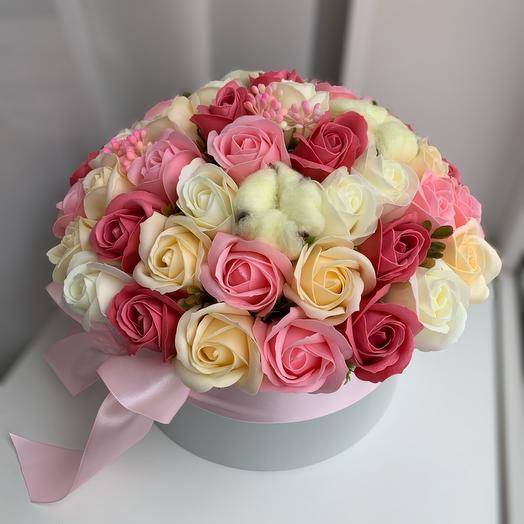 45 мыльных роз с хлопком в коробке