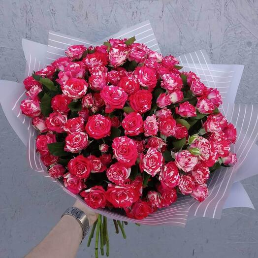 Букет из кустовой розы Фаер Воркс