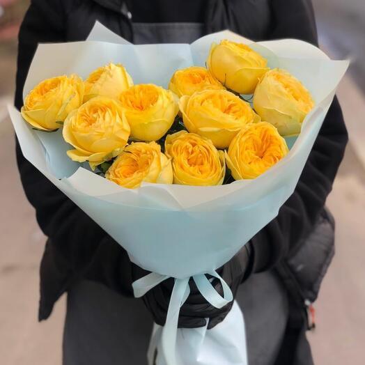 Букет из желтых пионовидных роз
