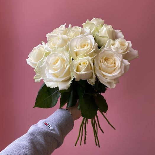 Букет ароматных роз Аваланш
