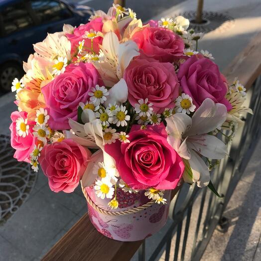 Цветы в коробке Летние розы