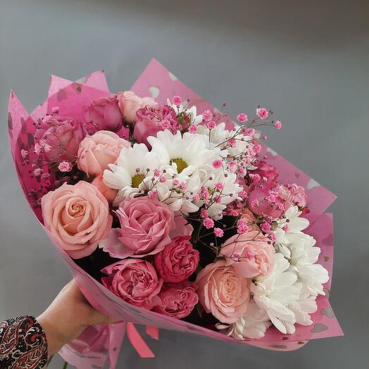 Bouquet with a peony-shaped rose