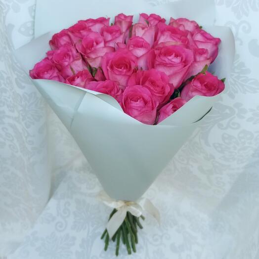 Букет из 25 розовых роз Кения