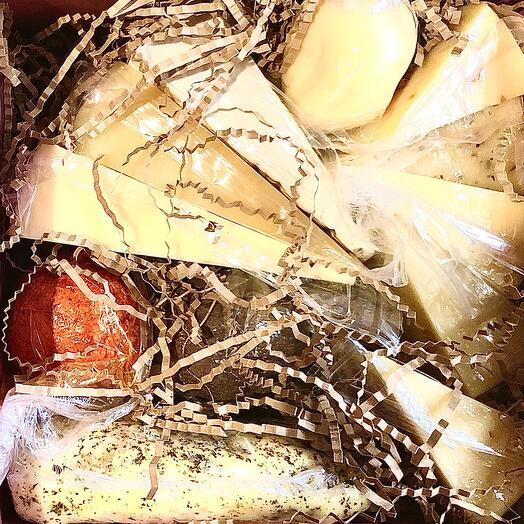 Подарочный набор элитных сыров номер 12