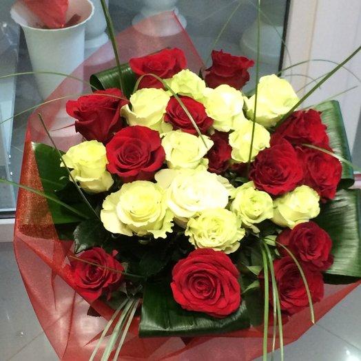 Розы красные и жёлтые: букеты цветов на заказ Flowwow