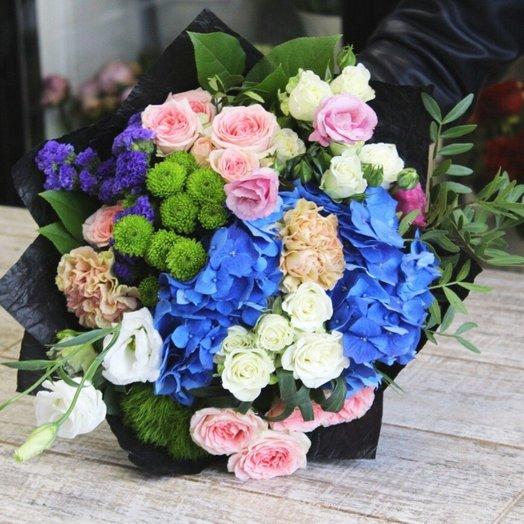 Гортензия в черном: букеты цветов на заказ Flowwow