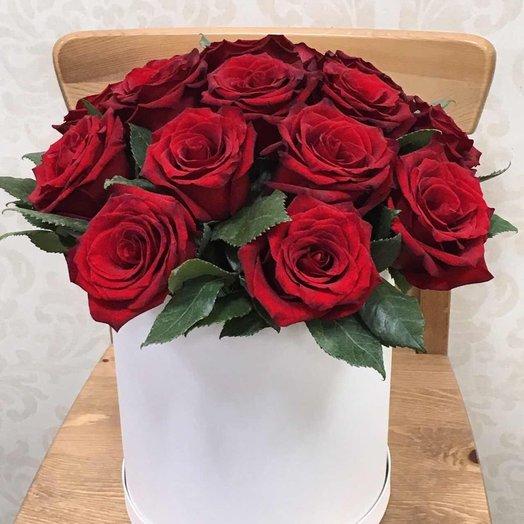 Цветы в шляпной коробке Лед и Пламя: букеты цветов на заказ Flowwow