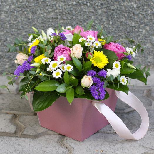 Композиция в сумочке: букеты цветов на заказ Flowwow