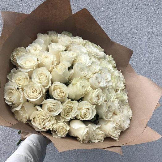51 белая роза Эквадор: букеты цветов на заказ Flowwow