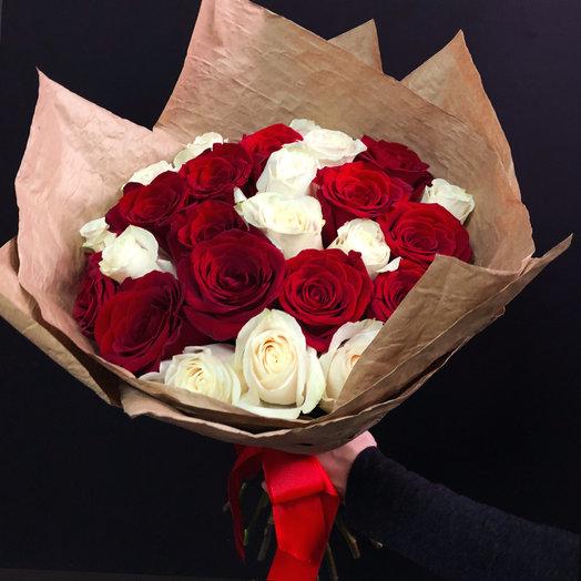 Микс из 25 Эквадорских роз: букеты цветов на заказ Flowwow