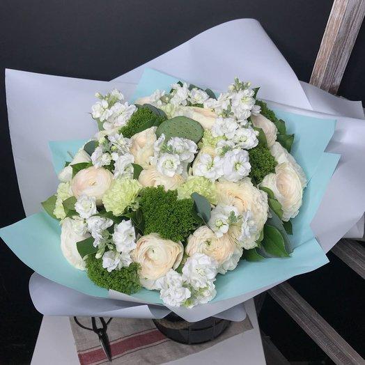 Нежный букет с ранункулюсами: букеты цветов на заказ Flowwow