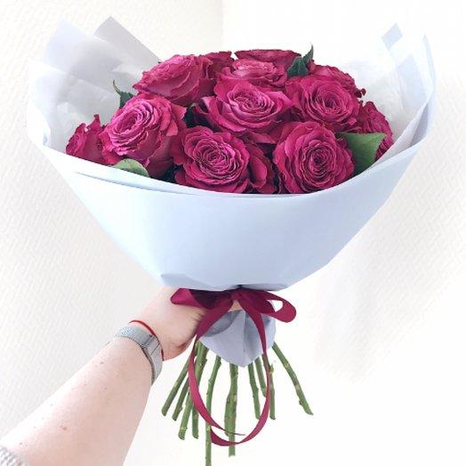 Букет из 15 малиновых пионовидных роз: букеты цветов на заказ Flowwow