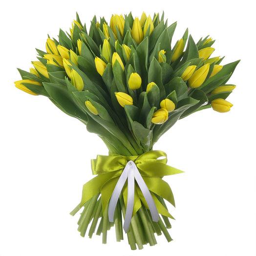 Букет из 51 желтого тюльпана Стронг Голд