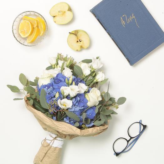 Гортензия и лизиантус: букеты цветов на заказ Flowwow