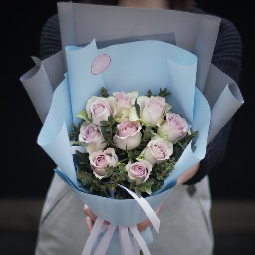 Букет-комплимент: Нежно-сиреневые розы: букеты цветов на заказ Flowwow