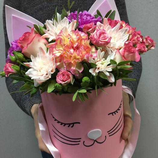 "Hatbox ""Miss kitty"": flowers to order Flowwow"