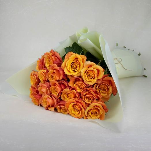 Моно букет из оранжевых роз