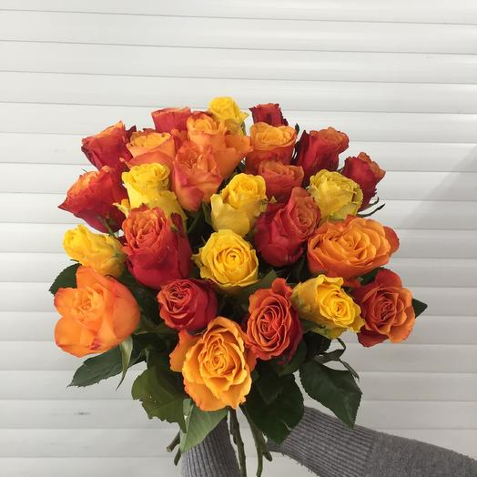 25 ярких роз 50 см