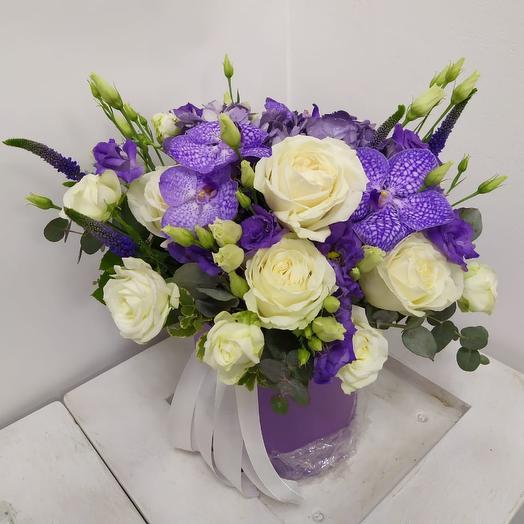Коробочка шляпная: букеты цветов на заказ Flowwow