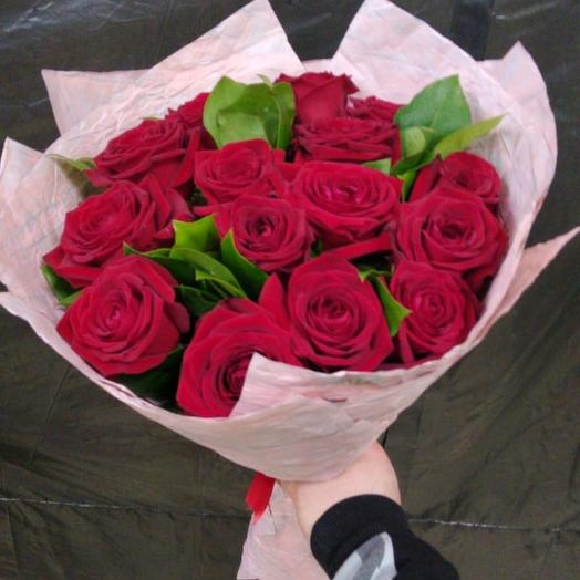 Ред найоми: букеты цветов на заказ Flowwow