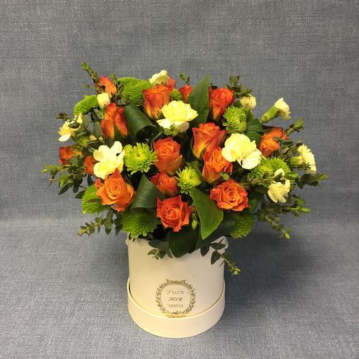 Яркая коробочка с розами: букеты цветов на заказ Flowwow