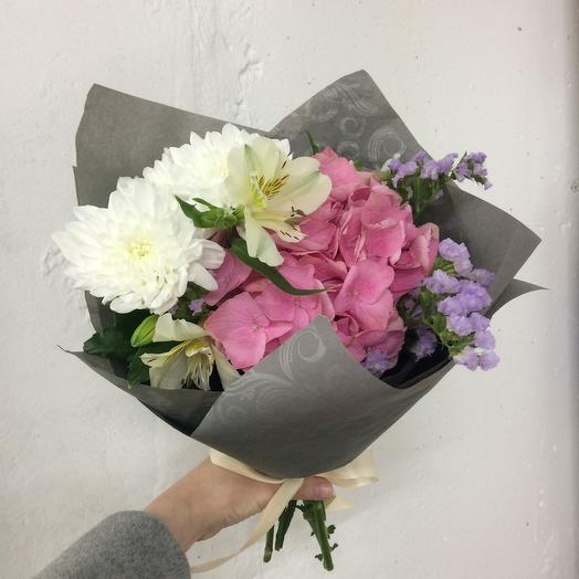 Нежная гортензия: букеты цветов на заказ Flowwow