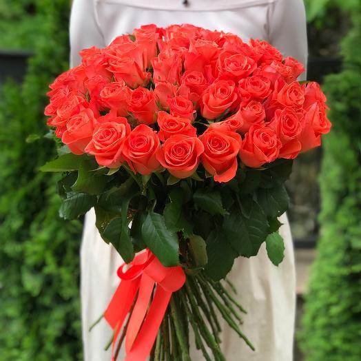 Букет 51 коралловая роза