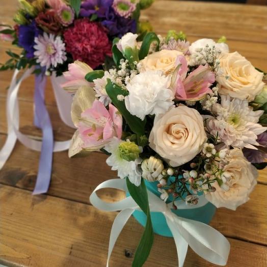 Шляпная коробка с нежным цветочным наполнением
