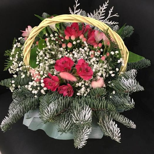 Корзина с цветами в зимнем стиле💫