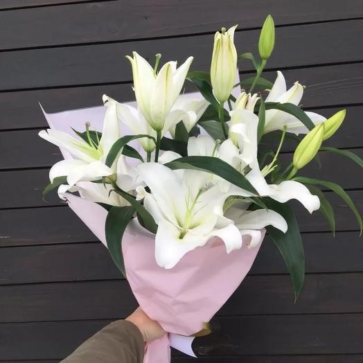 3 ароматные лилии