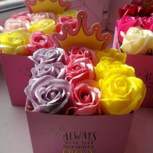 Мини-бокс 9 мыльных роз в коробочке принцесса