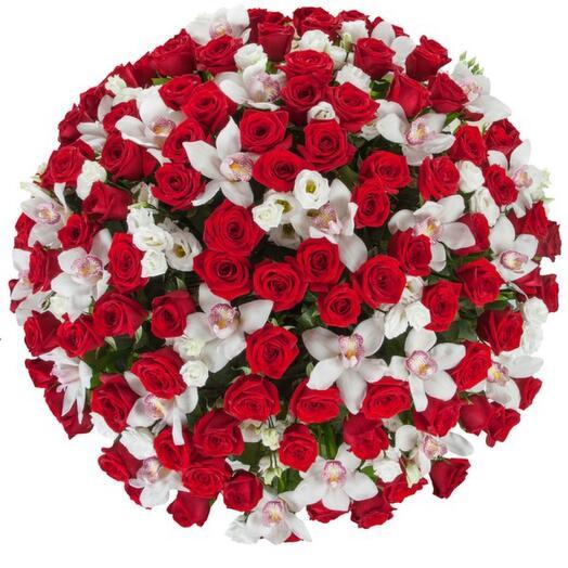 Корзина с цветами Классика любви