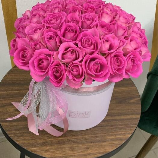 51 роза Кения в коробке