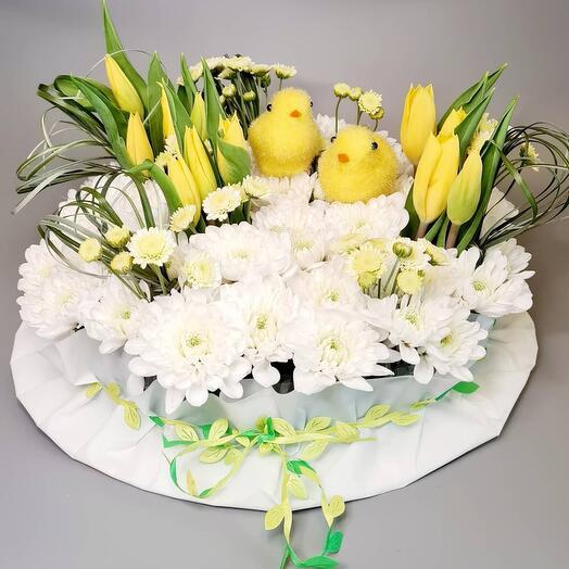 Композиция из 9 тюльпанов и хризантем