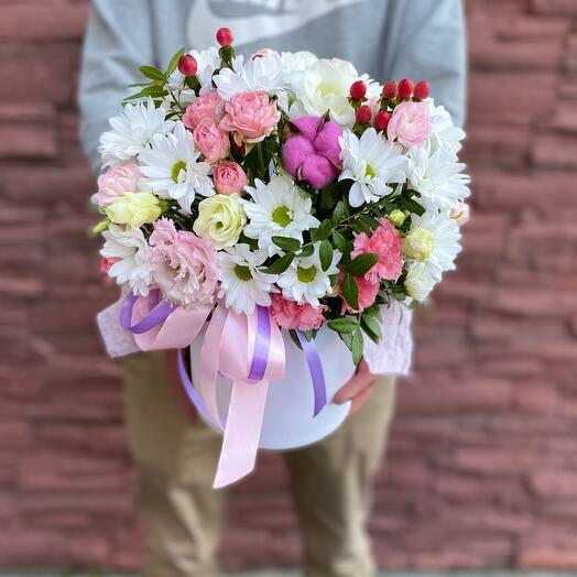 Цветы в коробке Милена