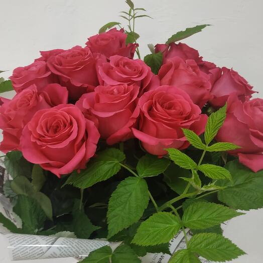 Шикарные 15 роз