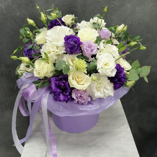 Коробка с лизиантусом и розой