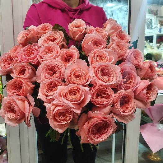 Пионовидная роза Лондон Ай