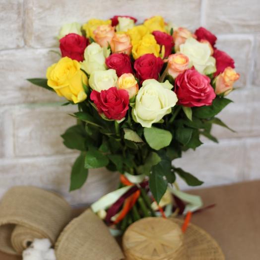 Букет из 25 разноцветных кенийская роза: букеты цветов на заказ Flowwow