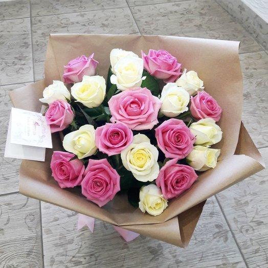 Розы в крафте: букеты цветов на заказ Flowwow