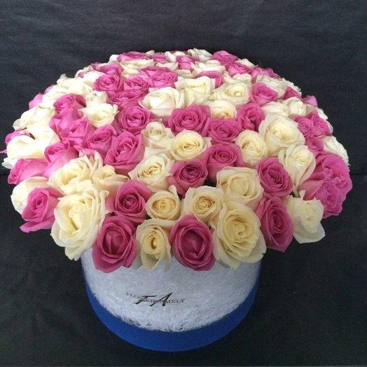 Композиция в шляпной коробке из 101 розы микс: букеты цветов на заказ Flowwow